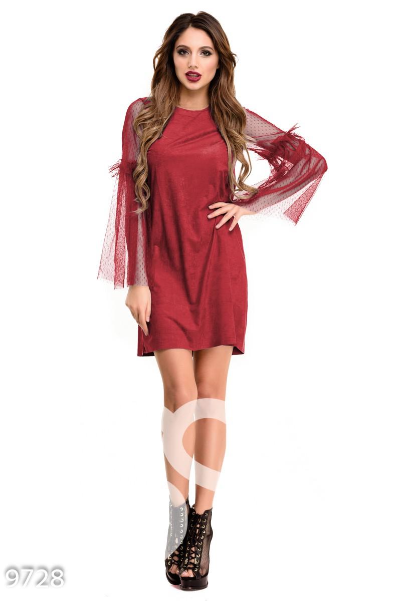 Бордовое платье-трапеция с длинными рукавами из фатина
