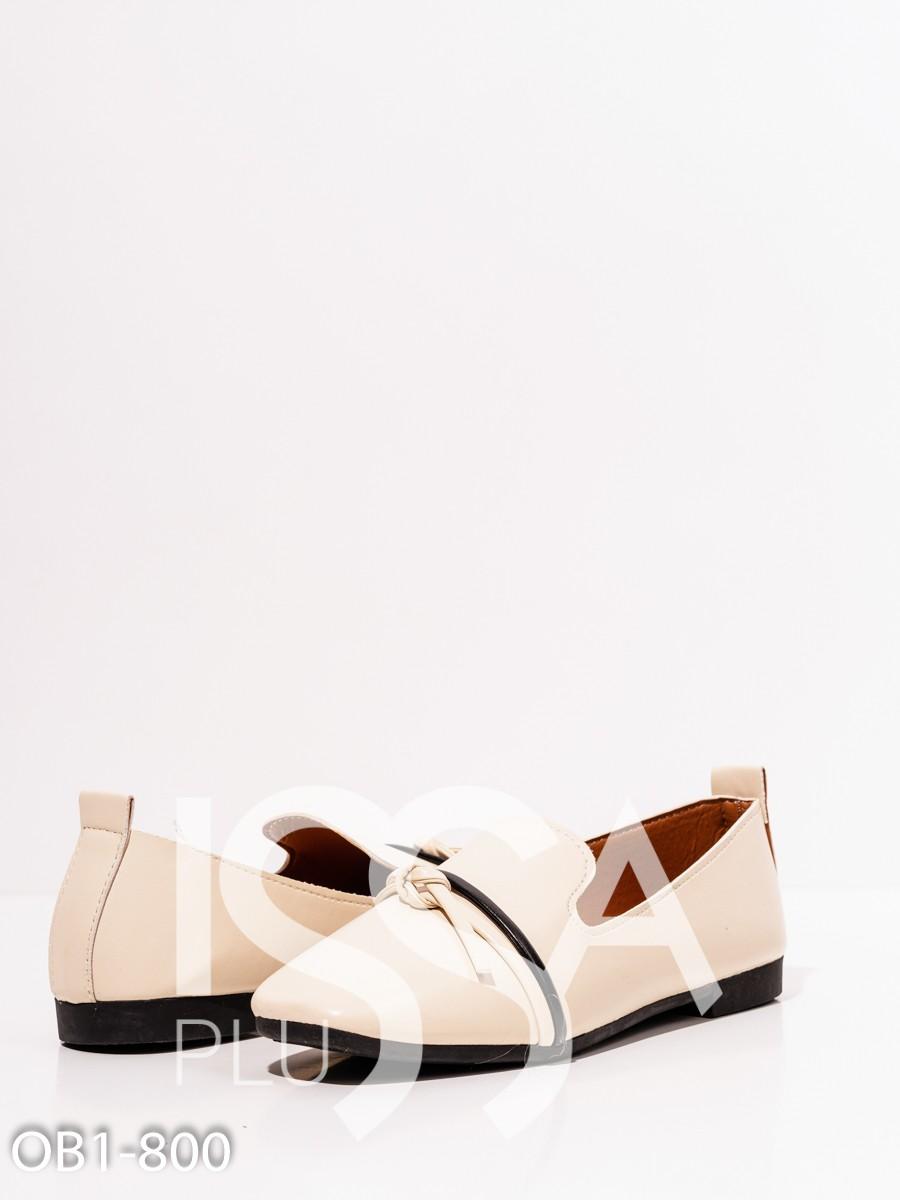 Молочные кожаные туфли с декором