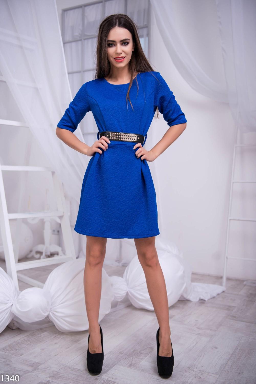 Синее платье с поясом черным