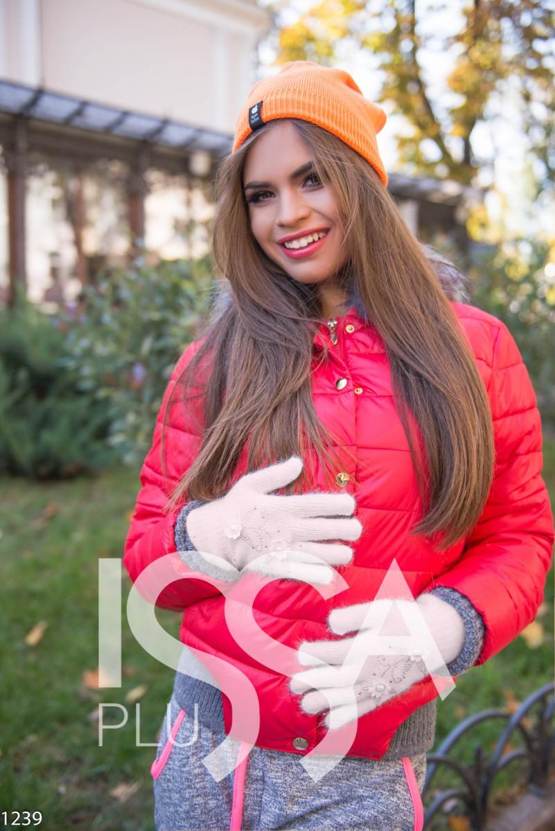 Бежевые перчатки с цветочной аппликацией