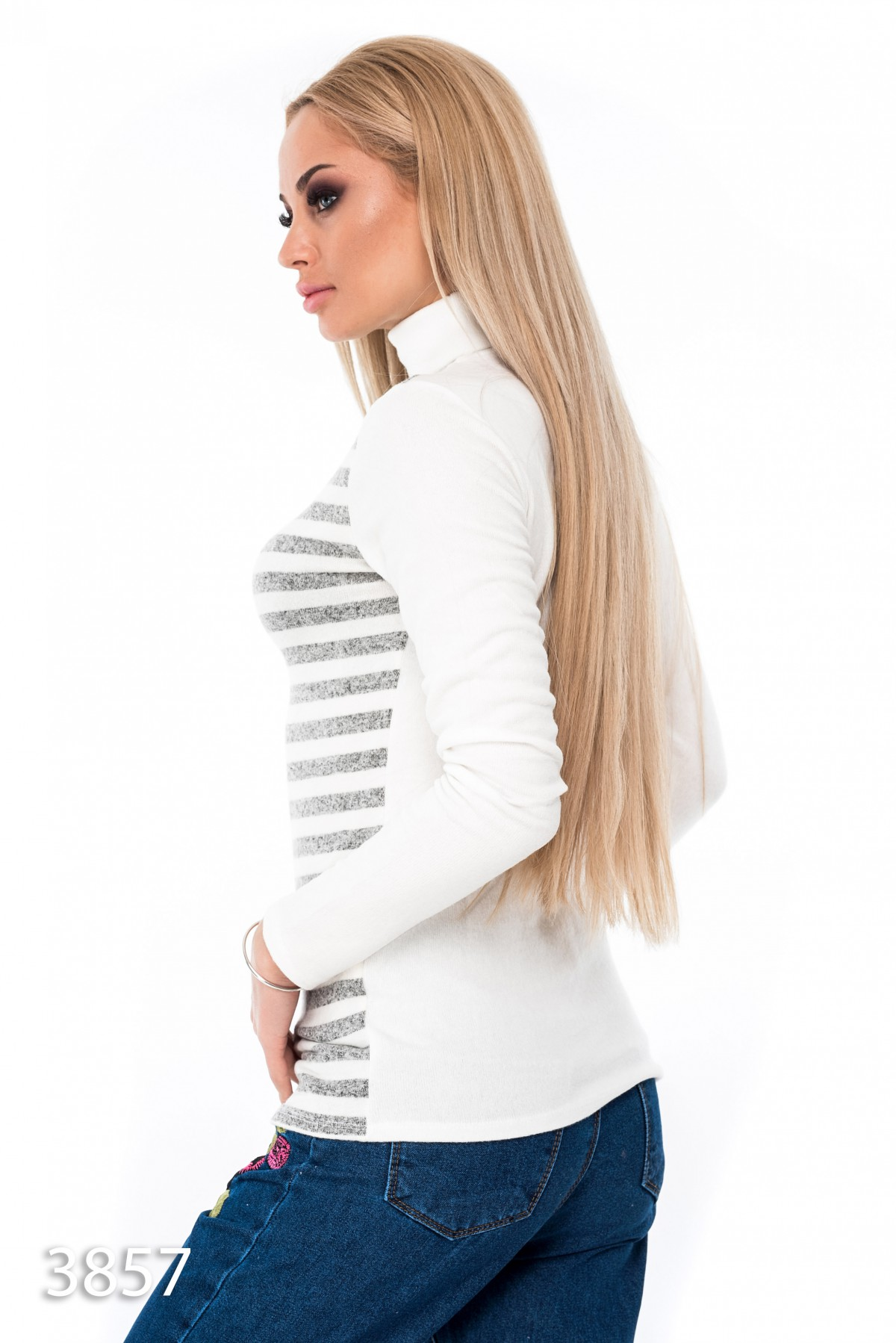 Белый свитер с горлом женский с доставкой
