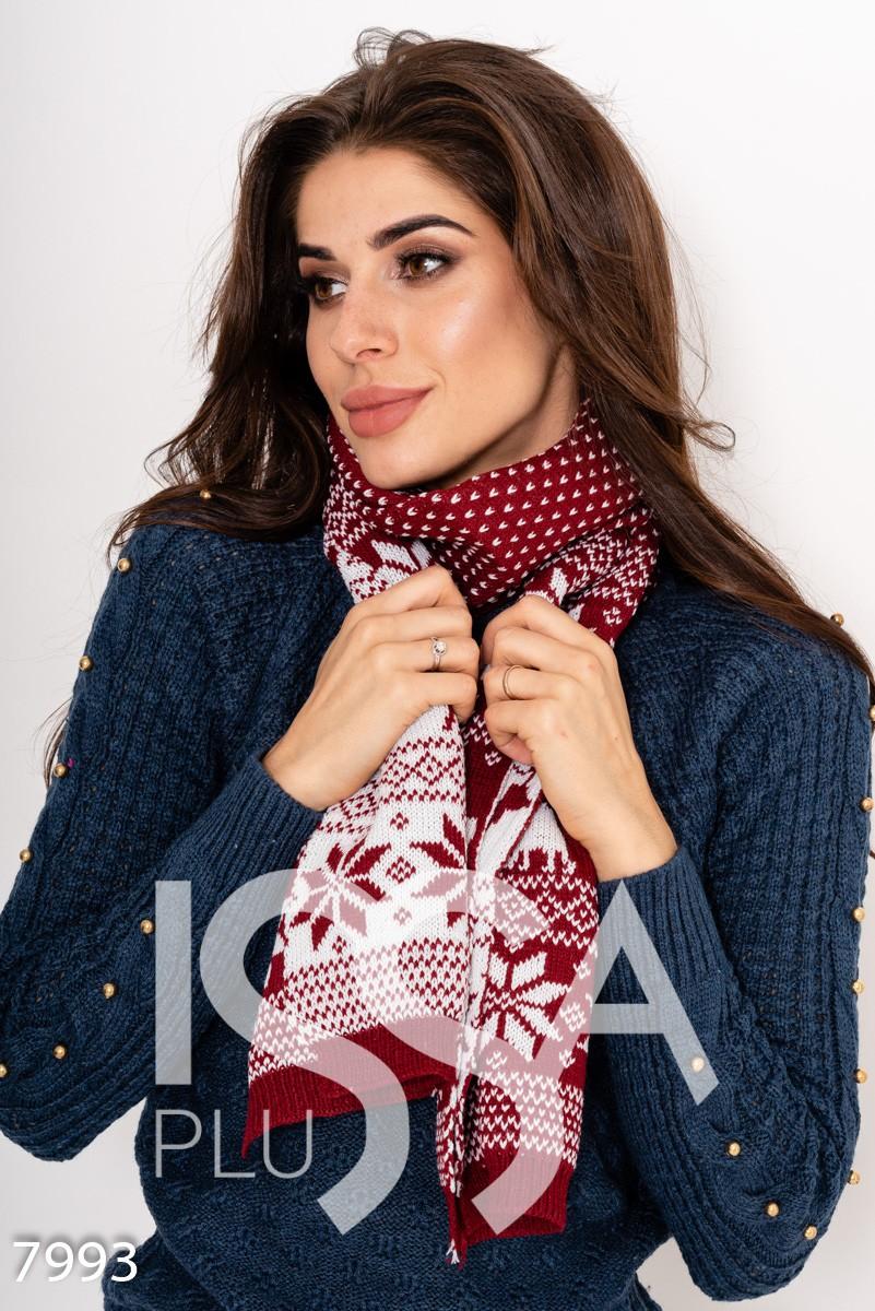 Бордовый с белым двухсторонний шарф с декоративным орнаментом