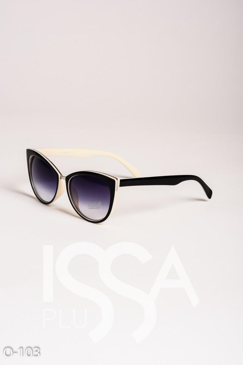 Солнечные очки-кошечки в комбинированной черно-белой оправе