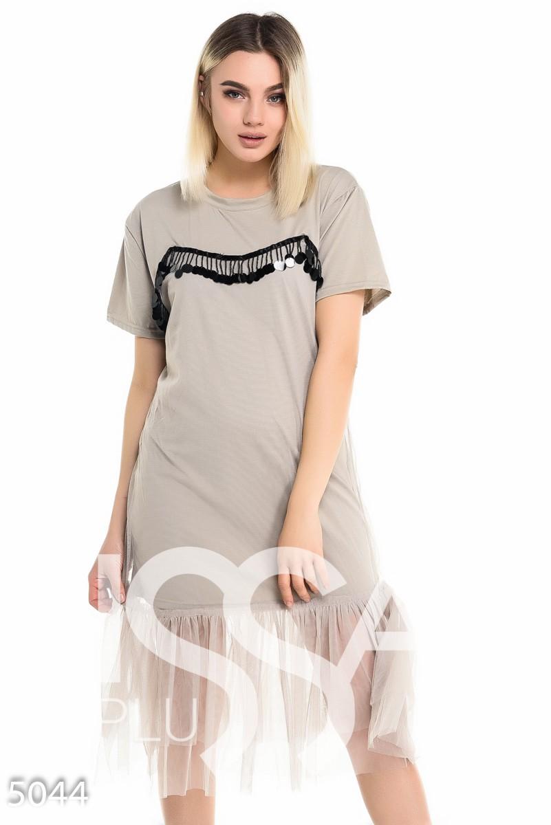 Серое платье-футболка с фатиновым подолом