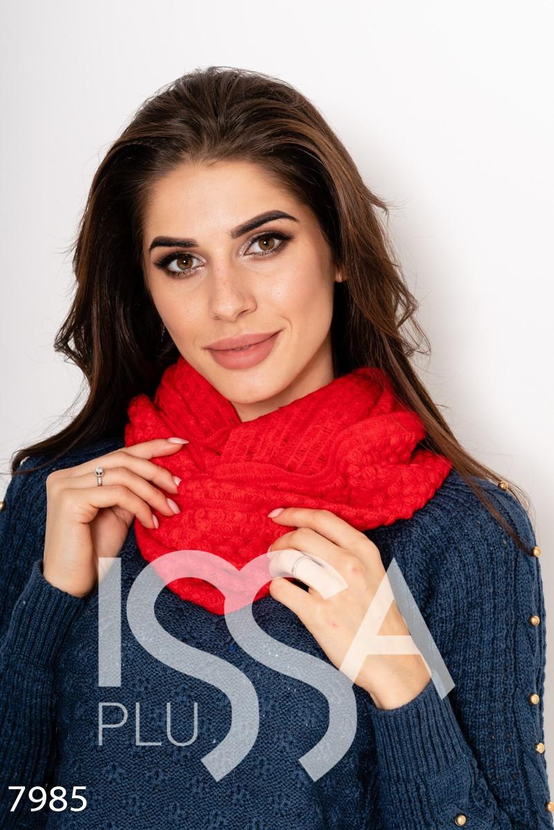 Красный однотонный шарф-хомут декоративной вязки
