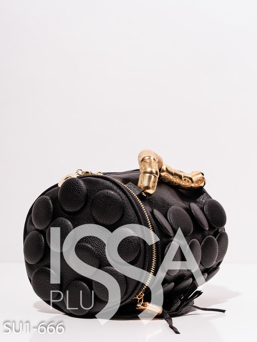 Черная сумка из эко-кожи с объемным декором