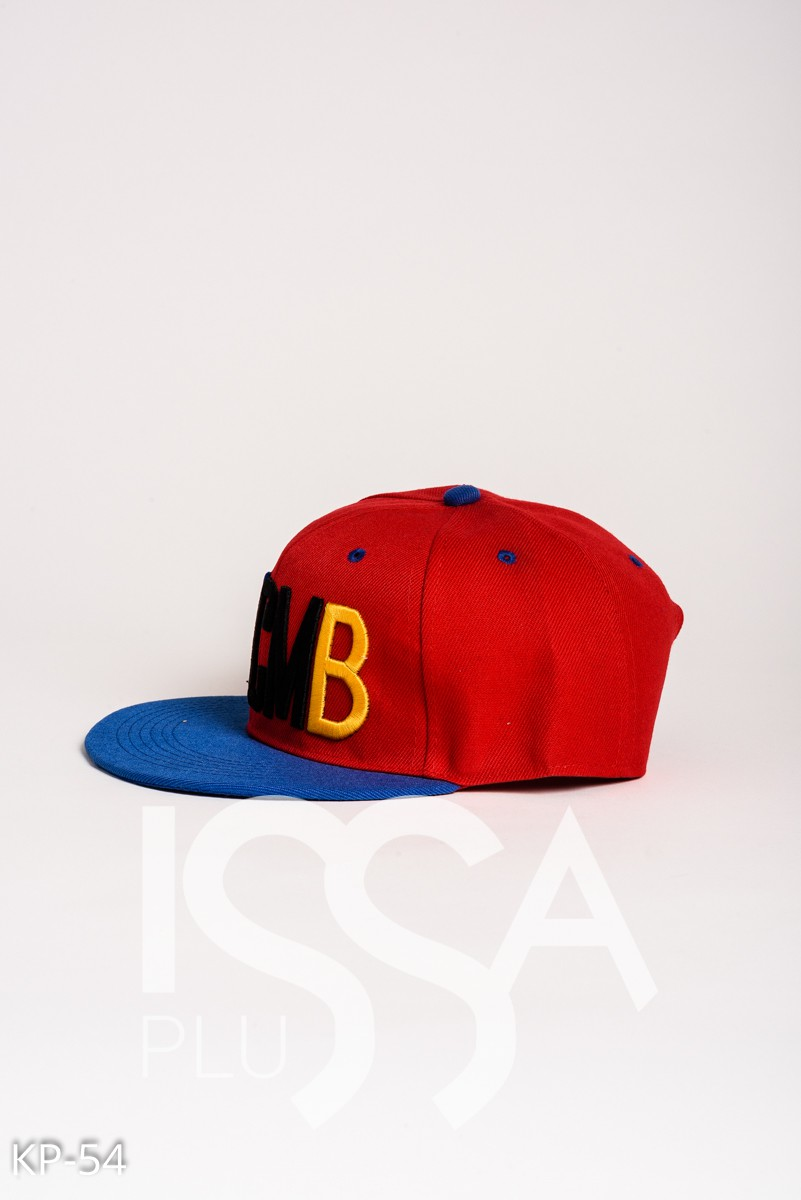 Красная кепка с сине-черно-желтой вышивкой YMCMB