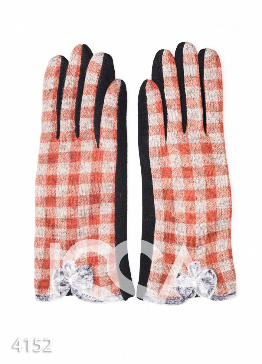 Коричневые клетчатые перчатки с меховыми бантиками