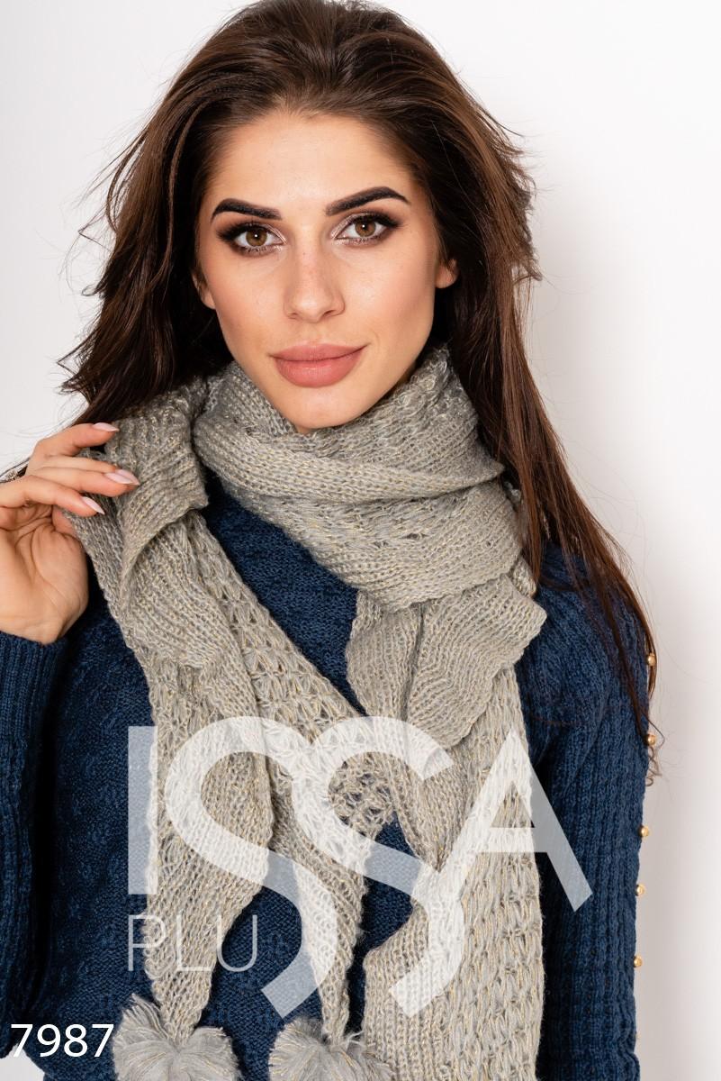 Серый вязаный шерстяной шарф с люрексом и помпонами