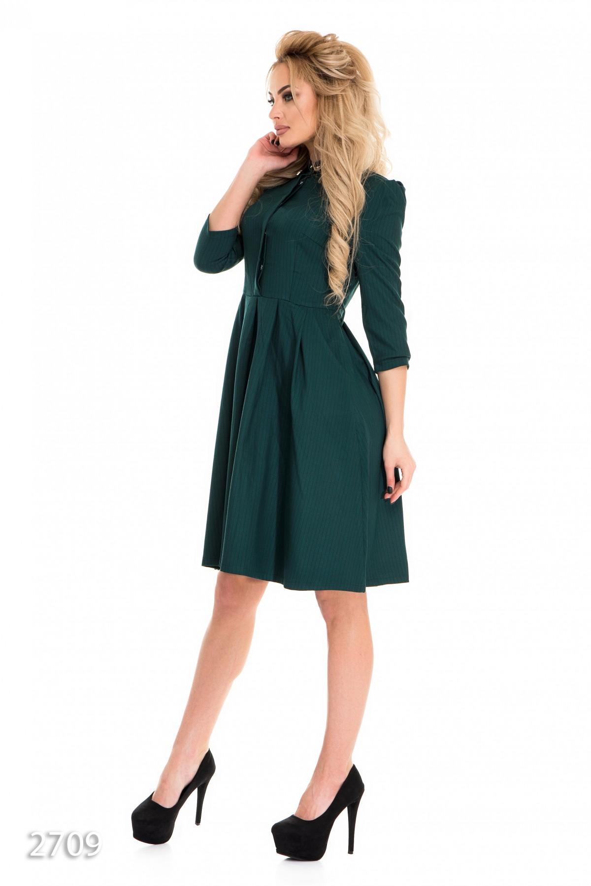 55fc57a80ff ... Зеленое в тонкую полоску приталенное платье-рубашка с рукавом 2 3  538  грн ...