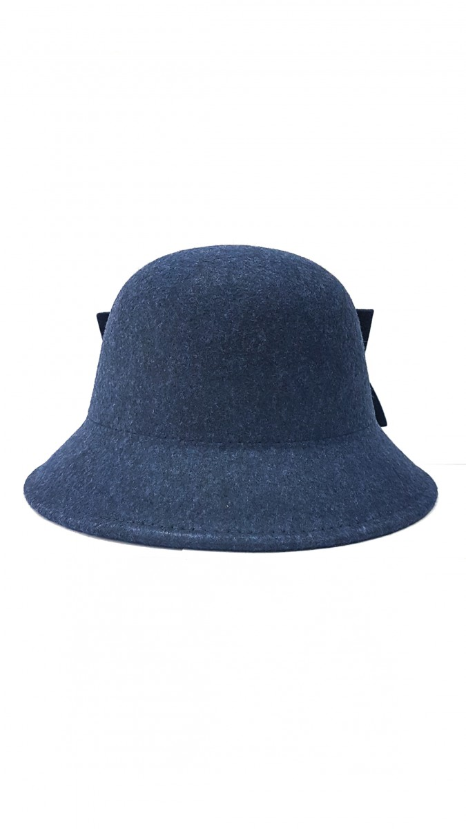 Синяя фетровая шляпка с бантом