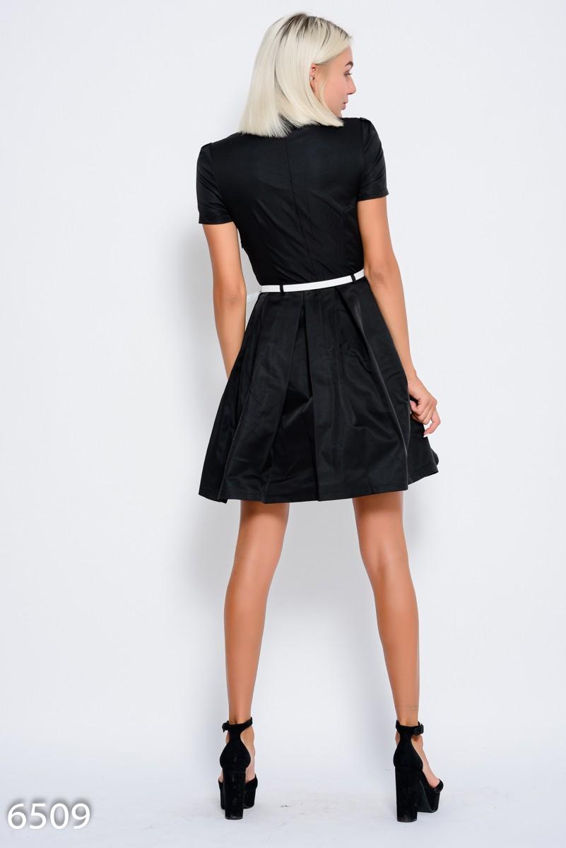 597c359515e ... Черное приталенное платье с короткими рукавами