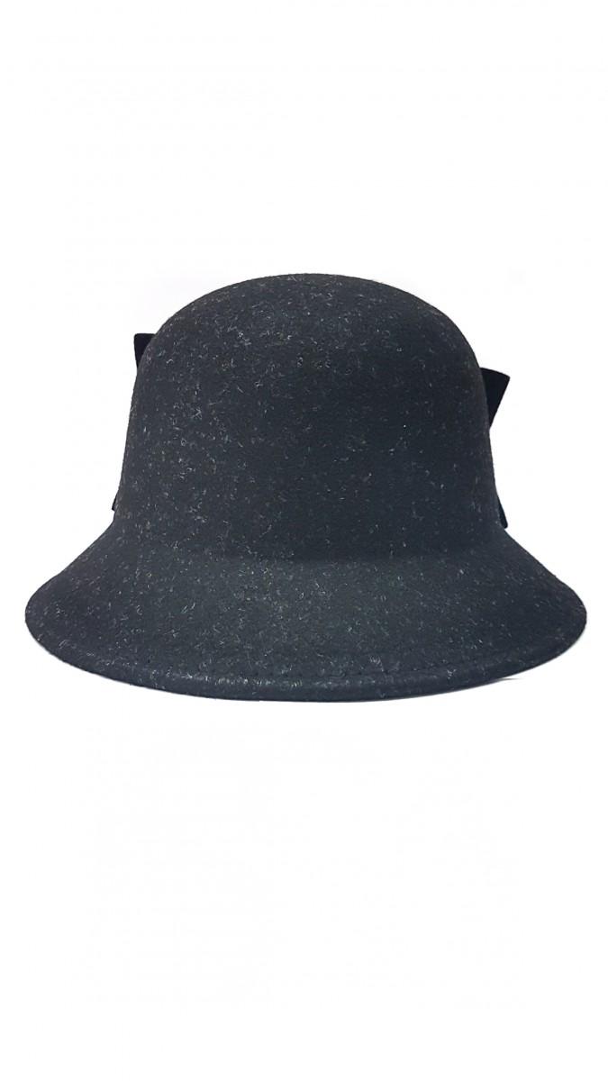 Черная фетровая шляпка с бантом