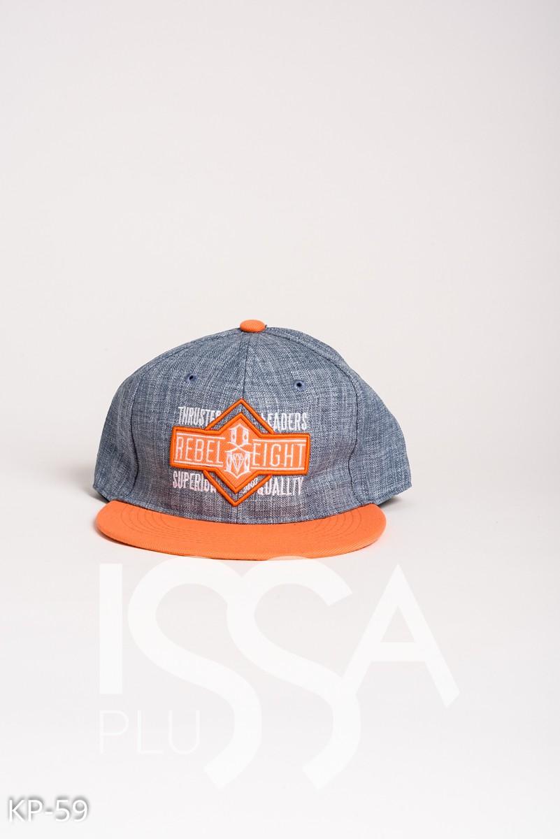 Голубая с оранжевым джинсовая кепка с нашивкой