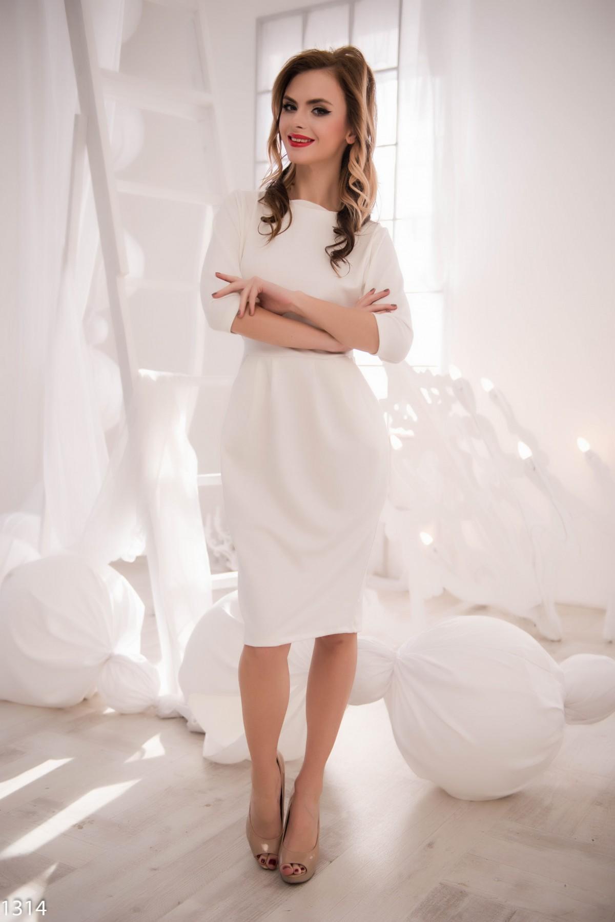 Платье белое с v вырезом
