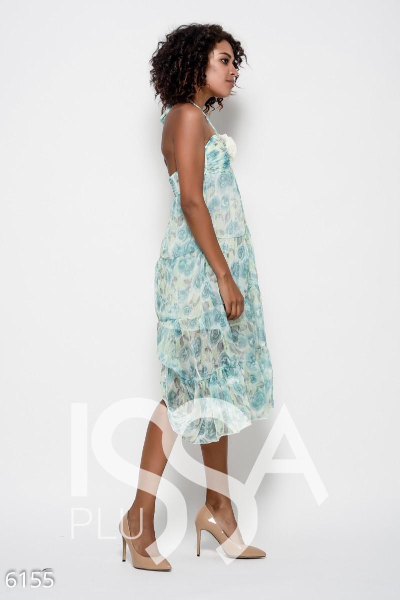 Бирюзовое шифоновое платье бандо с цветком на лифе