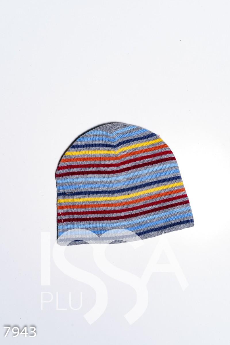 Демисезонная серая полосатая шапка