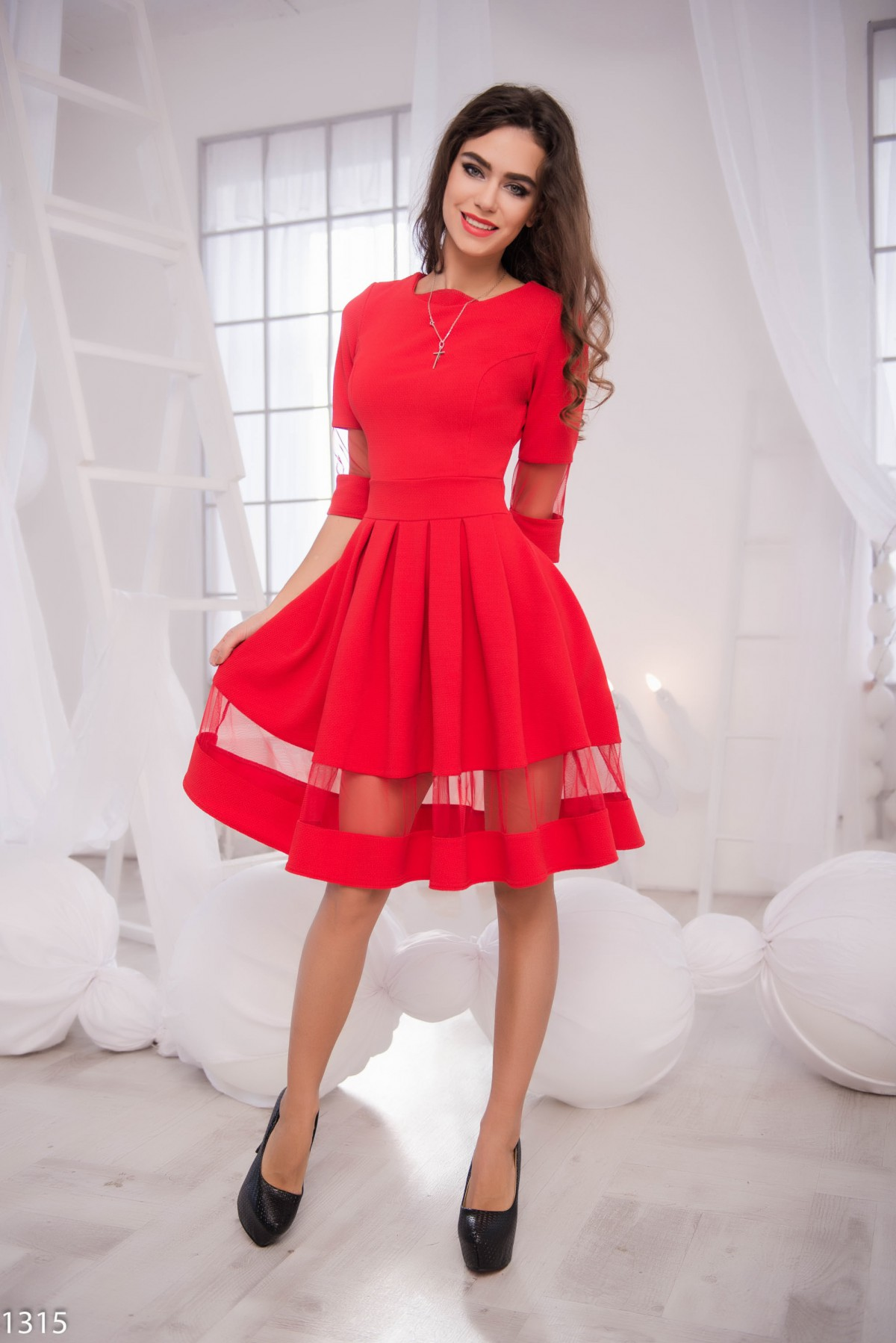 Красные платья фатина
