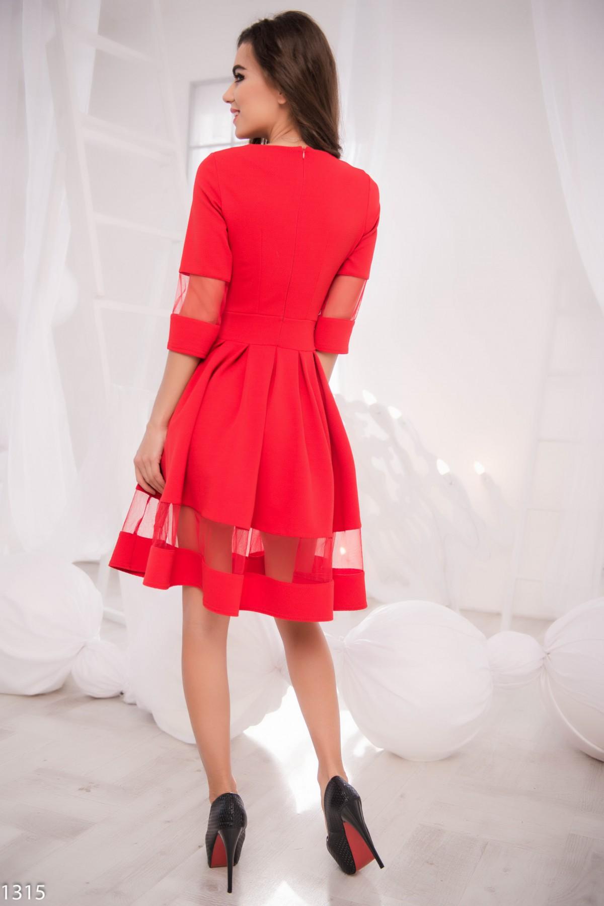 Платье с вставкой из фатина