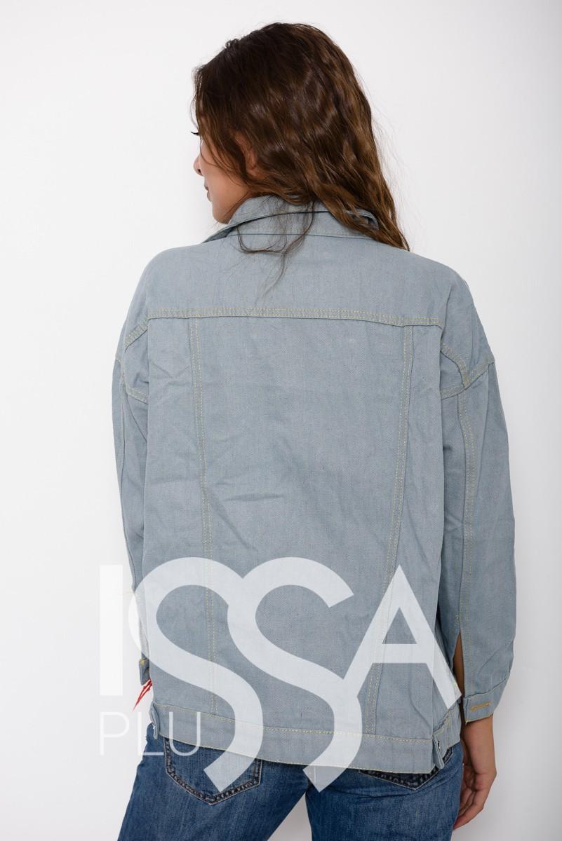 Голубая состаренная джинсовая куртка с потайными и накладными карманами