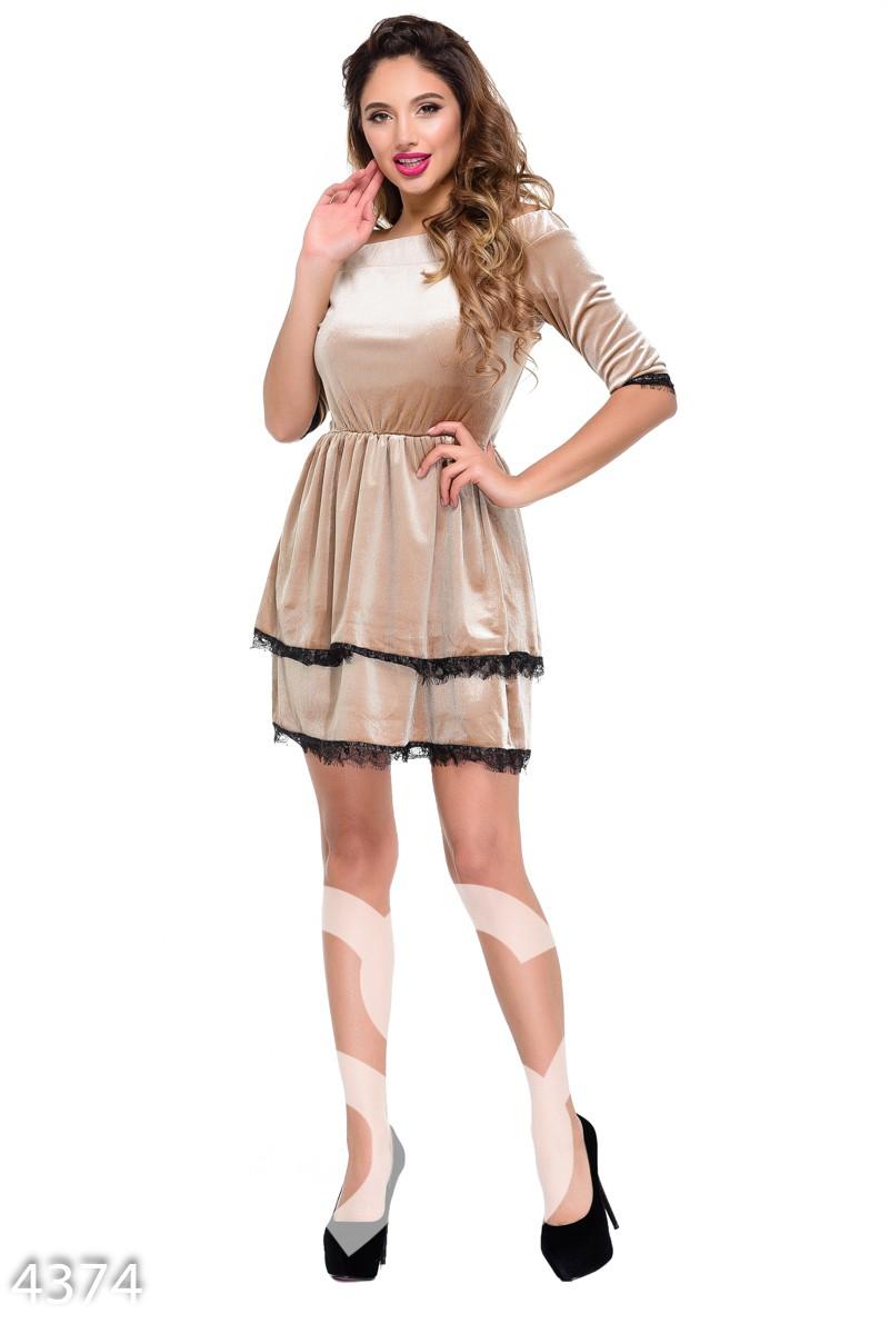 Коричневое велюровое платье  с двумя юбками и черным кружевом