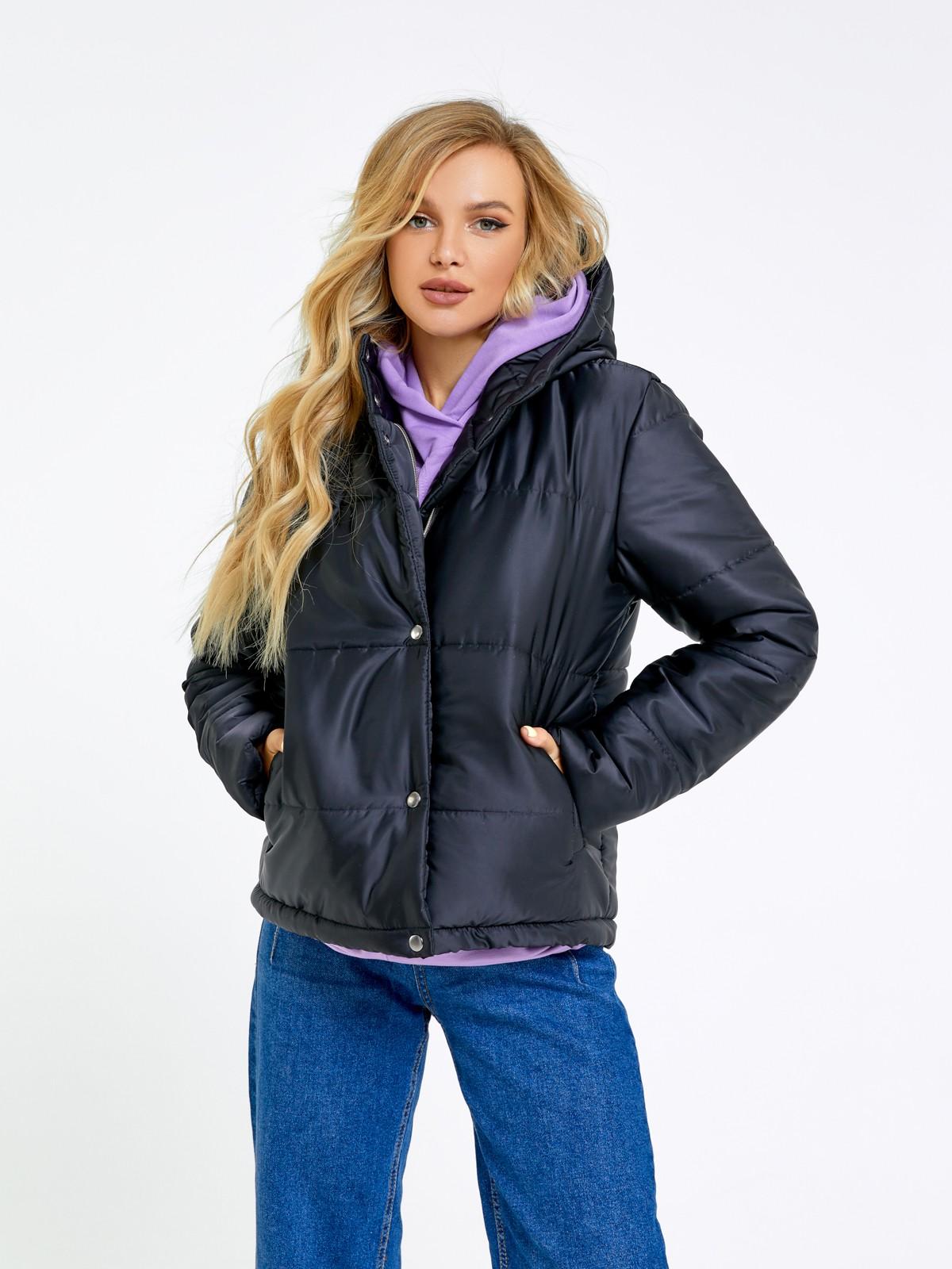 Черная стеганая куртка на синтепоне
