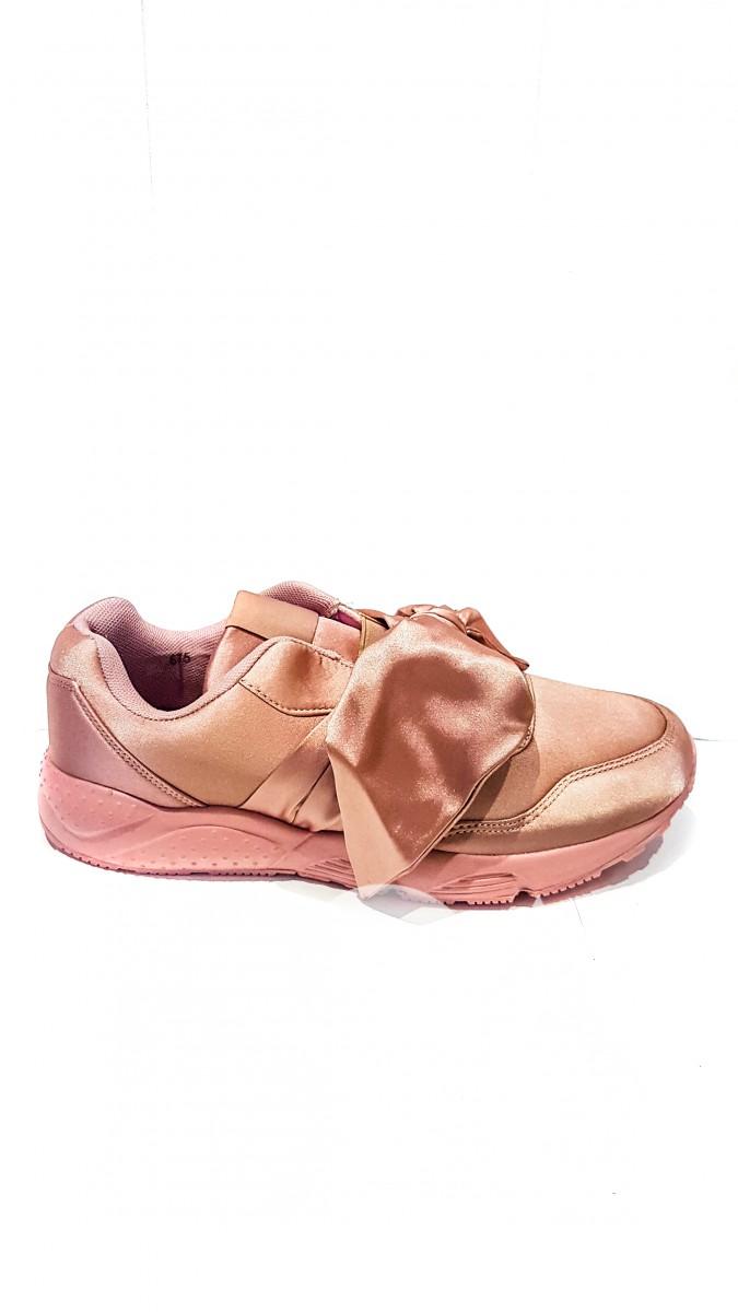 Розовые текстильные кроссовки c широкой атласной лентой