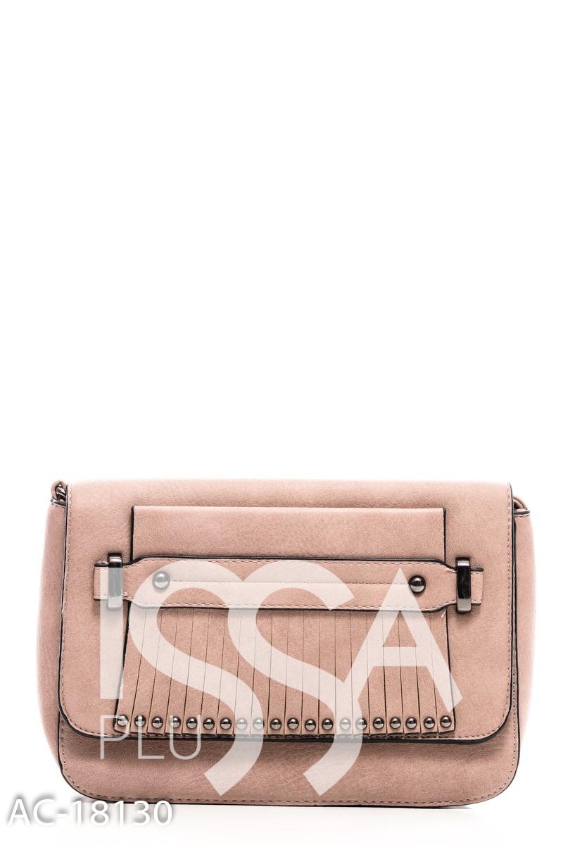 Бежевая сумочка с фурнитурой на нарезанной бахроме