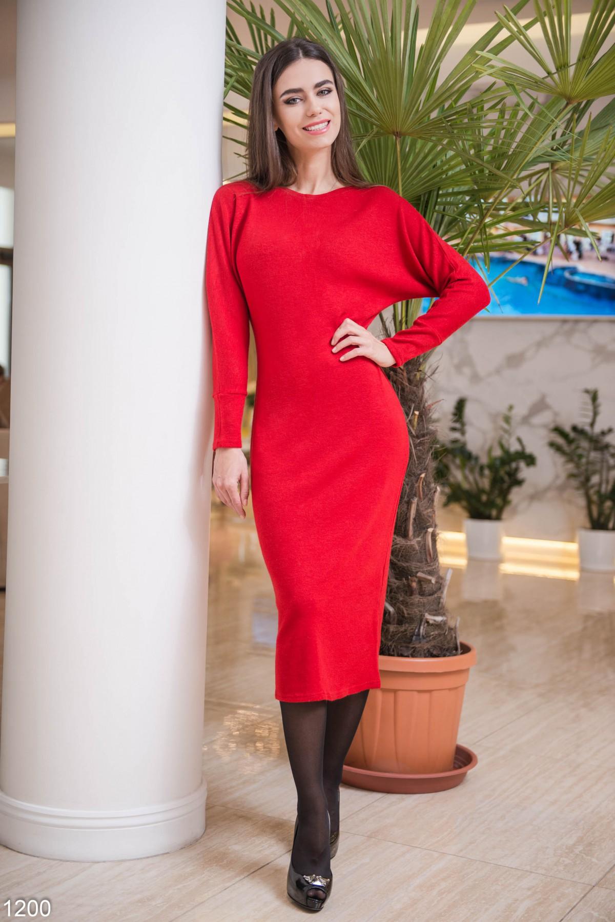 Платье красное шерстяное
