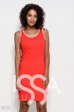 851b7438a2e Красное трикотажное обтягивающее платье без рукавов с жемчужинами на проймах