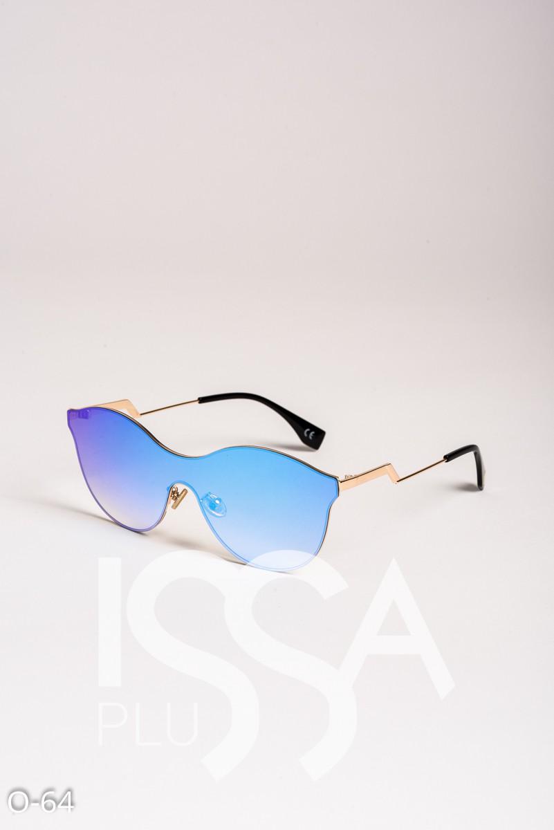 Голубые цельные солнечные очки в фигурной металлической оправе
