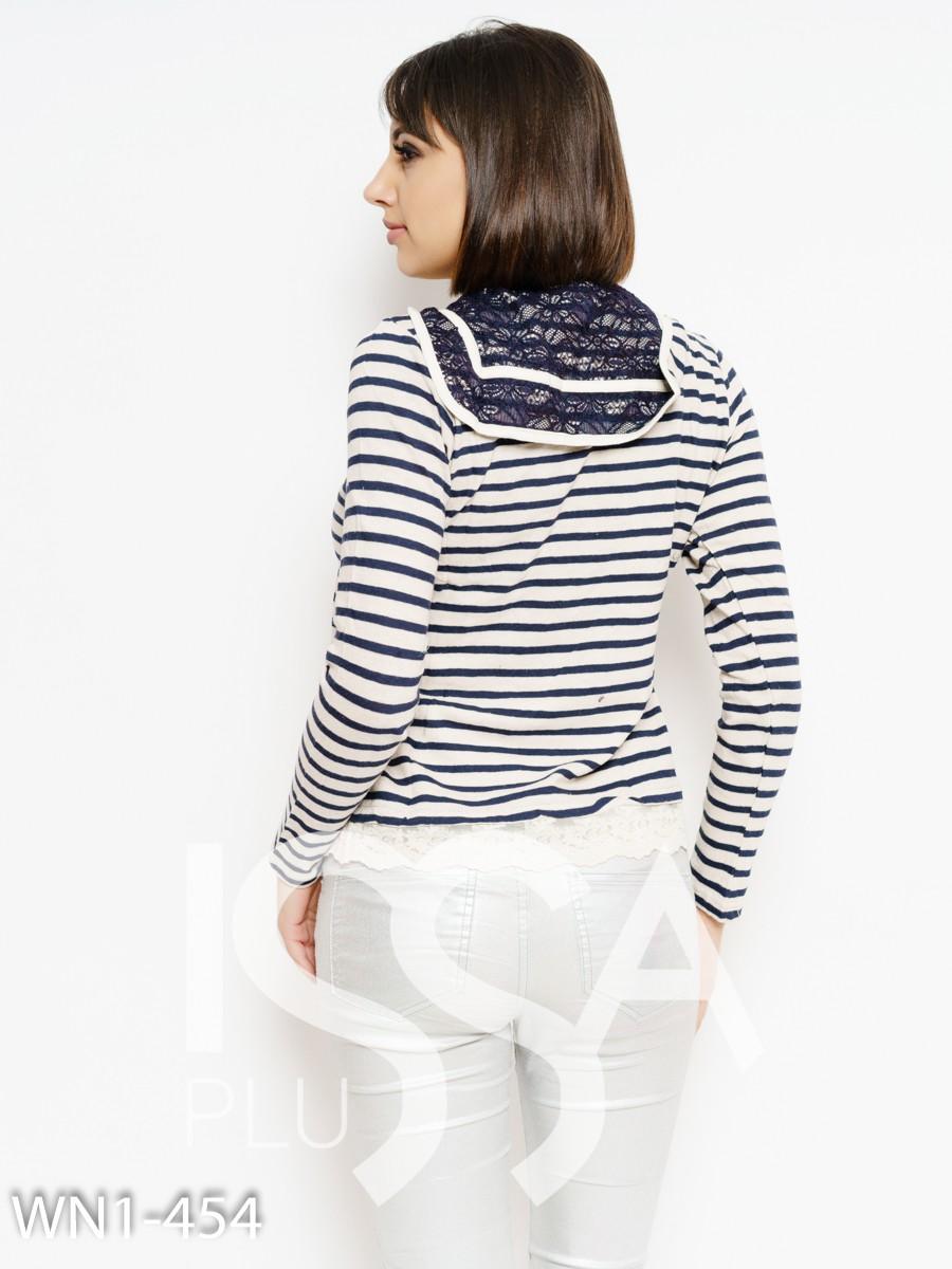 Бежево-синий полосатый свитер с кружевом