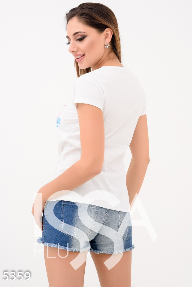 Белая футболка с крупным сердцем и надписью Missing you