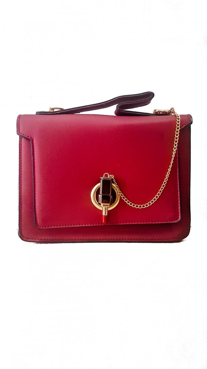 Бордовая сумочка из эко-кожи с оригинальной застежкой-