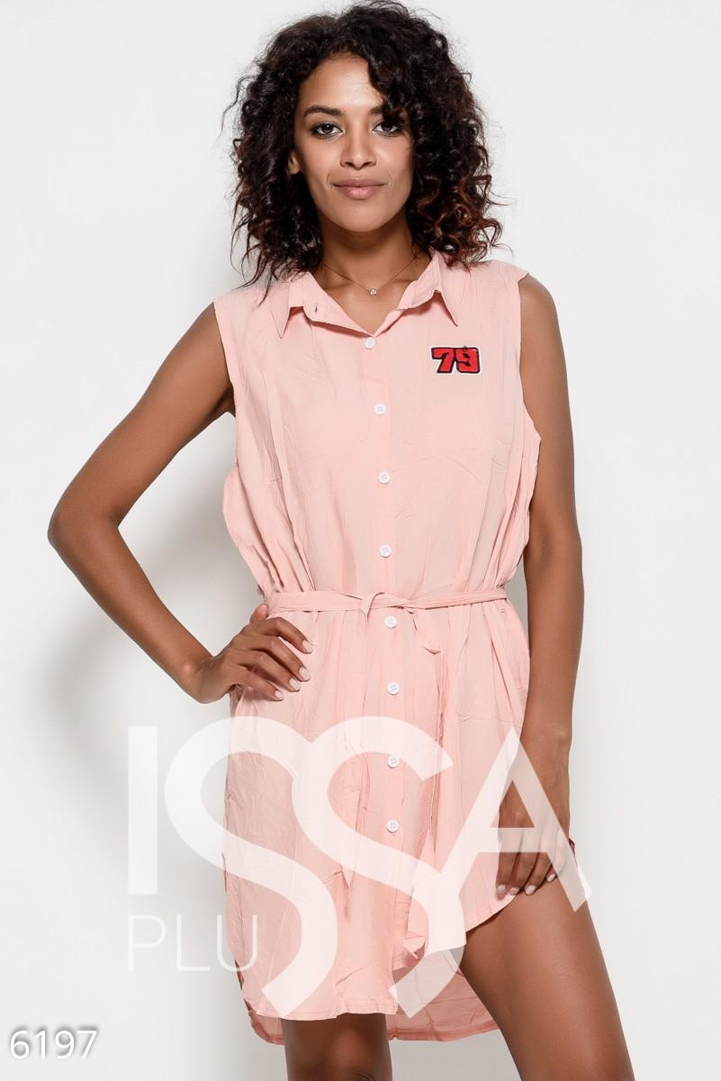 Платье-рубашка из коттона персикового цвета без рукавов с поясом и нашивкой на груди