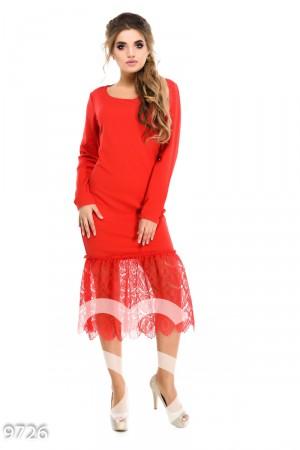c547bb1256d Красное вечернее платье с вырезом-лодочкой и подолом из легкого кружева