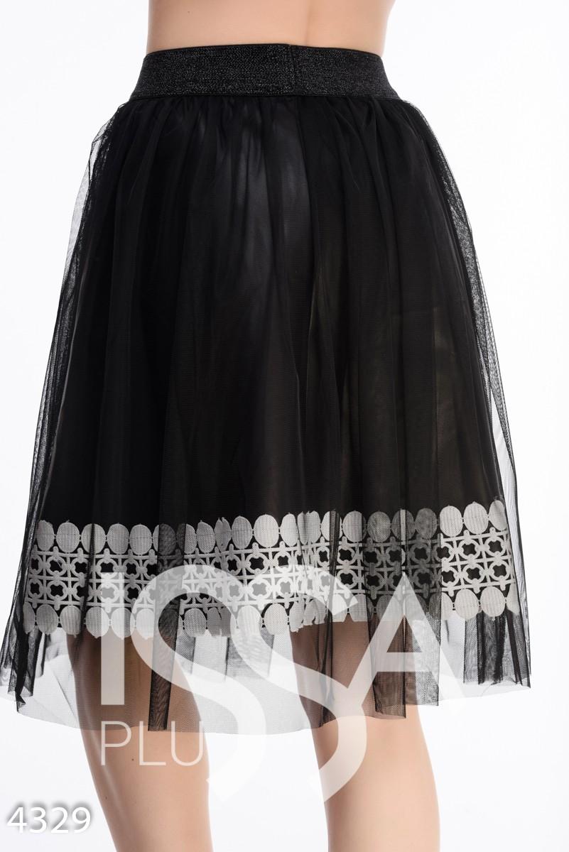 Пышная черная юбка с белым кружевом и фатиновым верхом