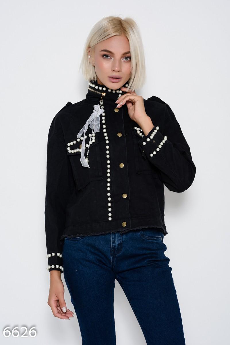 af5b6496eb6f Черная укороченная джинсовая куртка с бахромой, молнией на воротнике и  инкрустацией жемчужинами  900 грн ...