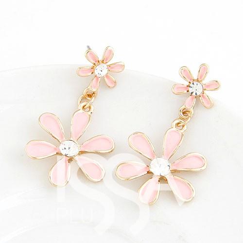 Серьги в виде цветов с розовой ювелирной эмалью