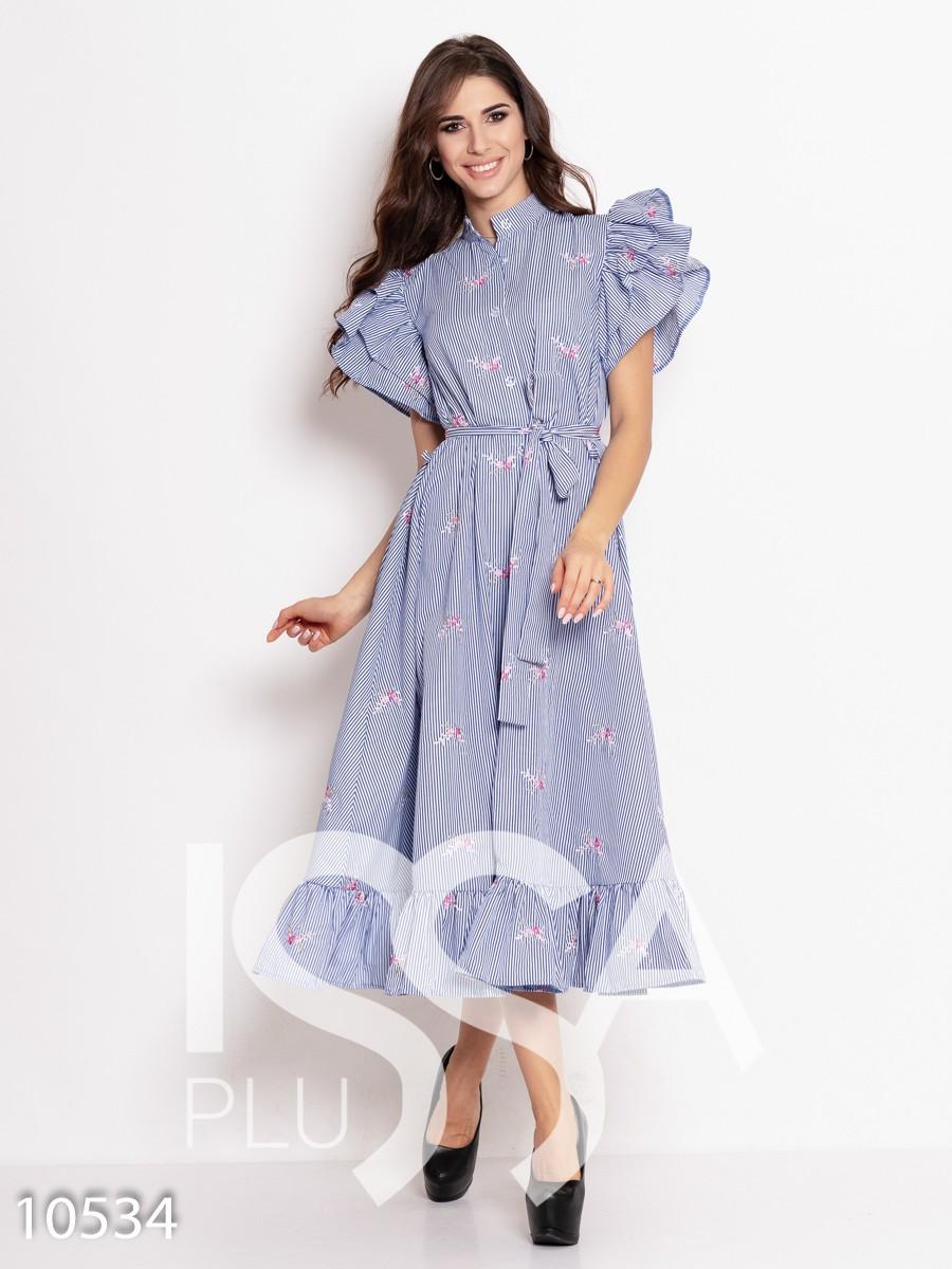 Бело-синее полосатое платье с воланами и вышивкой