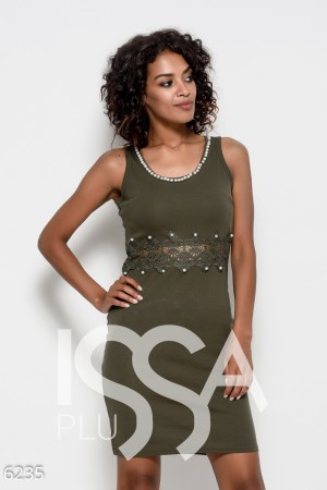 f19f5cb7978 Трикотажное платье цвета хаки без рукавов с кружевом и инкрустацией  стразами и жемчугом