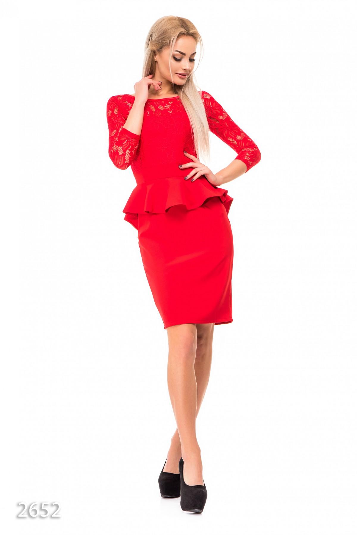 Длинное платье красное с баской
