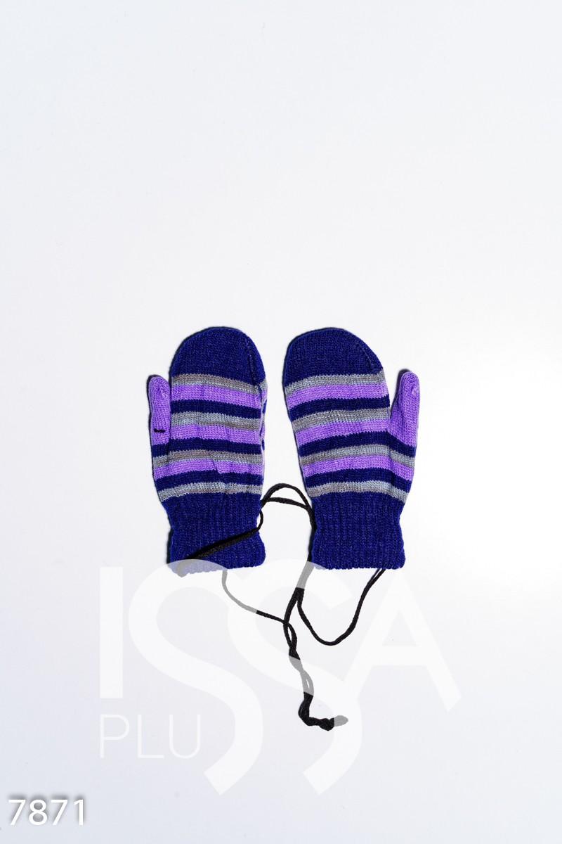 Темно-синие яркие полосатые шерстяные варежки на веревке