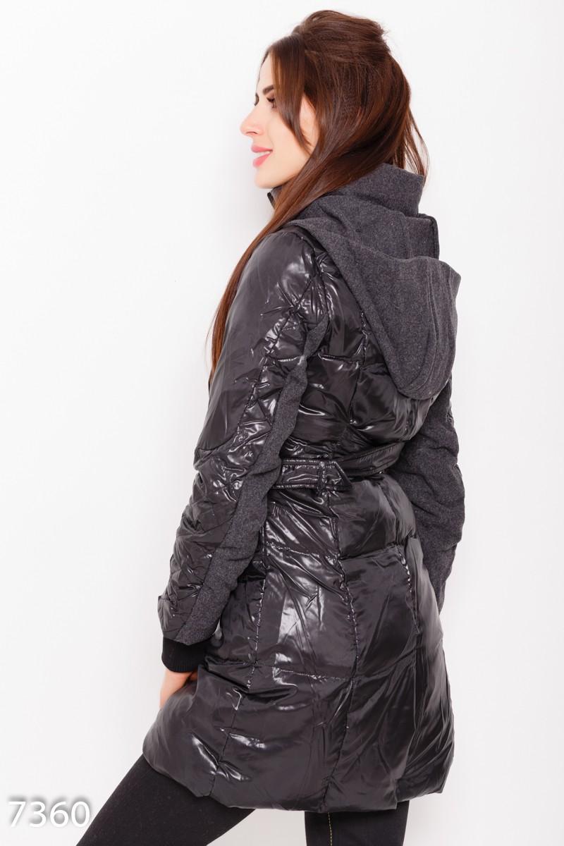 a324dedb6df ... Черная стеганая демисезонная длинная куртка с капюшоном и съемным поясом   741 грн. фото 4
