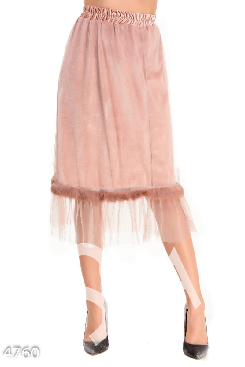 Розовая велюровая юбка с сеткой и полосой меха