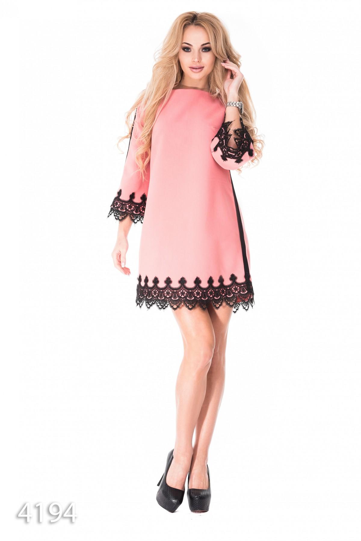 067e6dd7109 Розовое платье-трапеция с отделкой черным кружевом  1 076 грн. фото 2 ...
