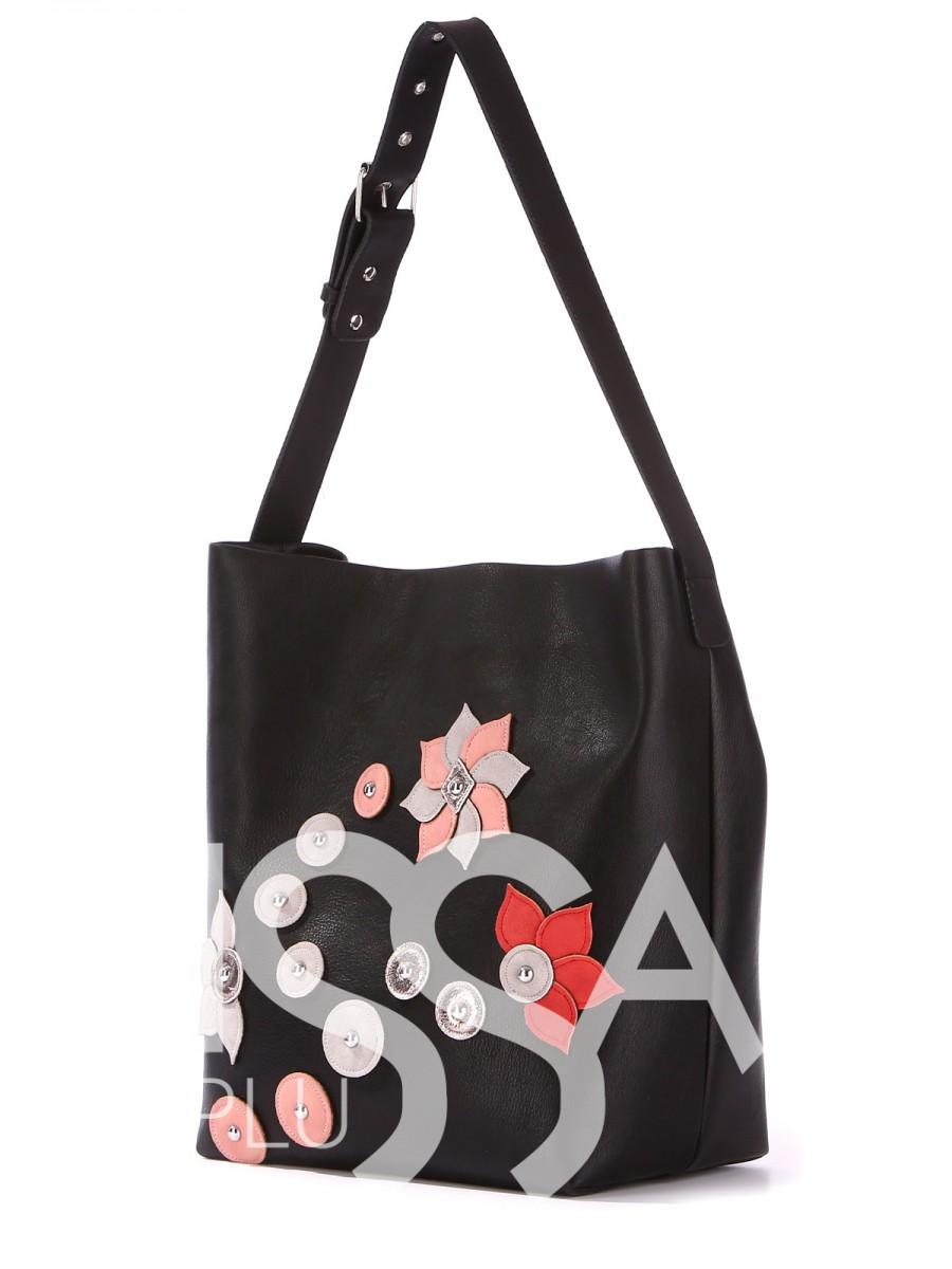 Стильная сумочка с яркой и стильной нашивкой