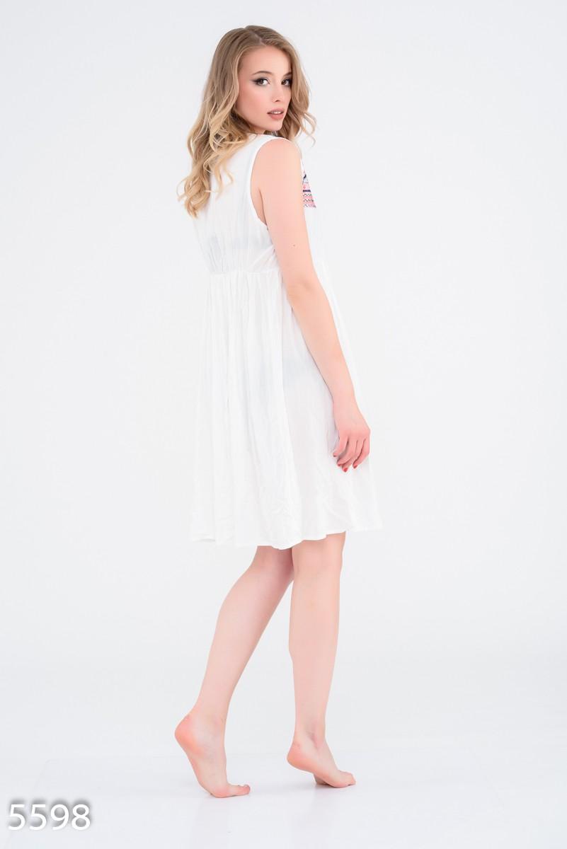 9aa4d9007f9 ... 3 Белая льняная пляжная туника с цветной вышивкой  485 грн. фото 4